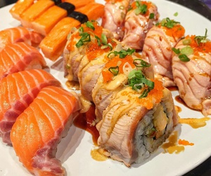 delicious, salmon, and sushi image