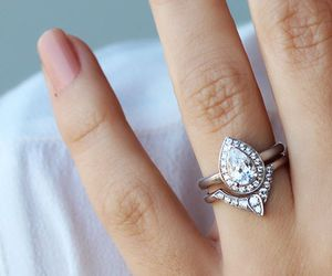 love and pear shaped diamond image
