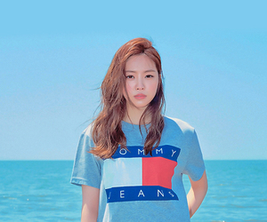 beach, kpop, and son naeun image