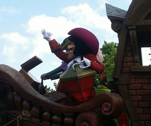 disneyland, parade, and captain hook image