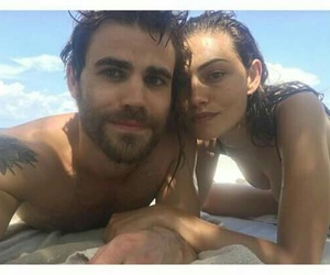 paul wesley, phoebe tonkin, and couple image