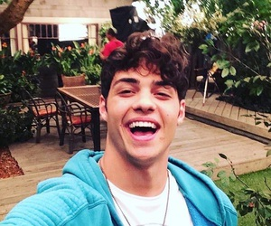 actor, tv show, and noah centineo image