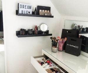 decor, inspo, and makeup image