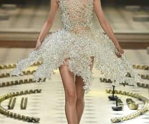 fashion, iris van herpen, and futuristic image