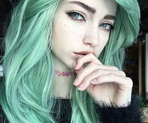 hair, tumblr, and green image