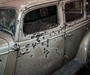 bonnie and clyde and car image