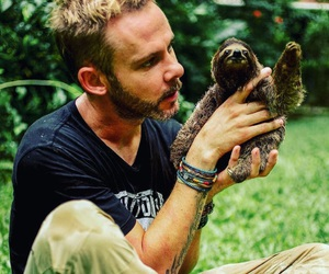 Dominic Monaghan, sloth, and lost abc image