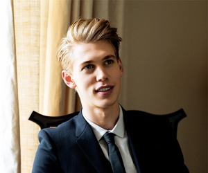 boy and austin butler image