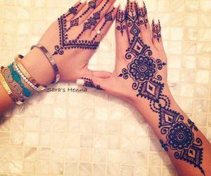 henna and nails image