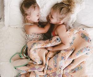 hermanas, cute, and 👭 image