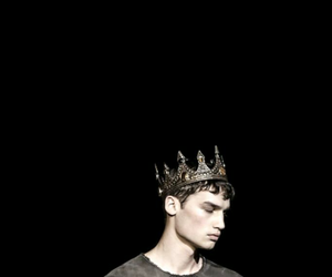 model and king image