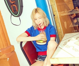 why and taeyeon image
