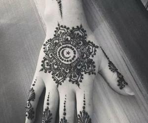 henna, tunisia, and hand image