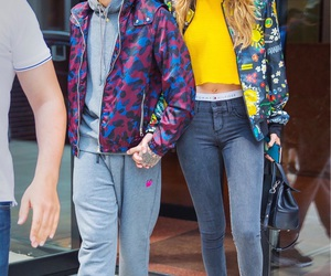 gigi hadid and zigi image