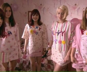skins, pink, and Effy image