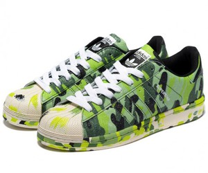 green shoes image