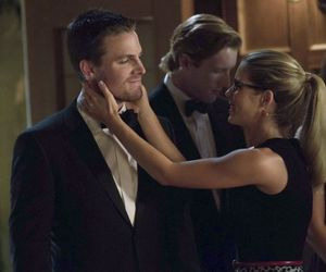 arrow, oly, and olicity image
