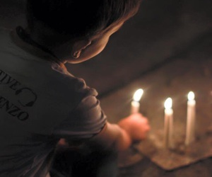 candle and iraq image