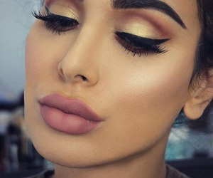 beauty, blogger, and eyebrows image