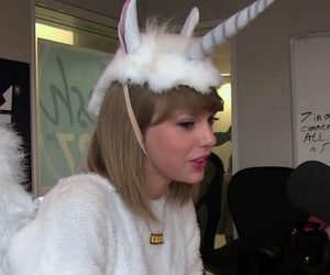 swiftie, Swift, and taylor image