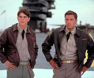 josh hartnett, pearl harbor, and Ben Affleck image