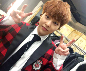 exo, xiumin, and exo-m image