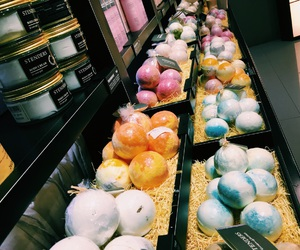 lush, bath, and colors image
