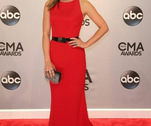 red carpet, pretty little liars, and lucy hale image