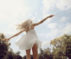 girl, freedom, and pale image