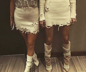 fashion, kendall jenner, and kylie jenner image