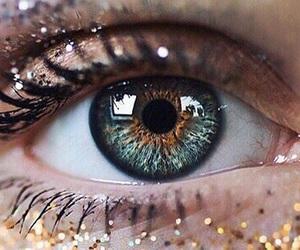 eye, eyes, and glitter image