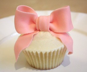 cupcake, pink, and bow image