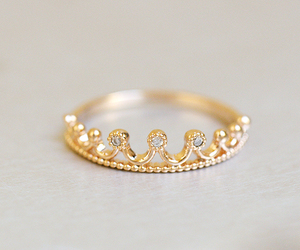 fashion, ring, and Queen image