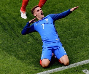 football, france, and griezmann image