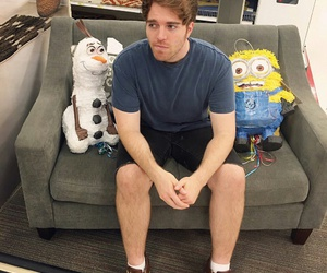 frozen, minion, and youtube image