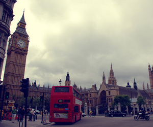 london and red bus image