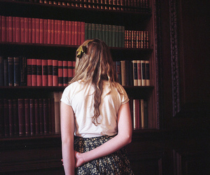 girl and books image