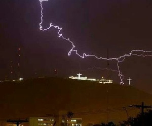 Noche, torreon, and lluvia image