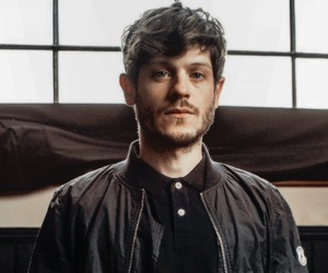 iwan rheon, handsome, and Hot image