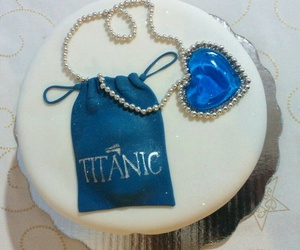 cake, collar, and fondant image