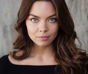 beautiful and scarlett byrne image
