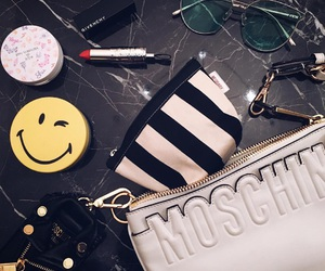 Moschino and what's in my bag? image