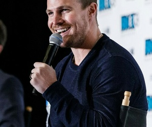 arrow, smile, and stephen amell image