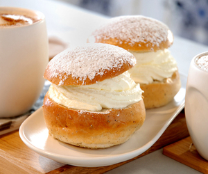 food, yummy, and cream image