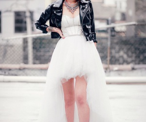 fashion, luanna perez, and outfits image