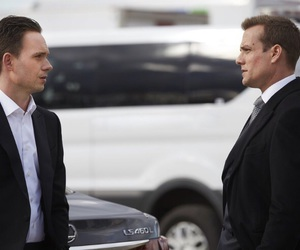 suits and harveyspecter image