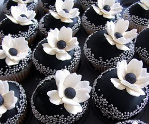 black and white, cupcake, and flower image