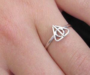 accessories, deathly hallows, and harry potter image