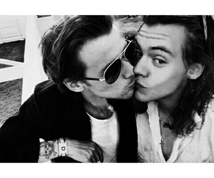 kiss and larry stylinson image