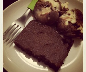 brownie, ice cream, and brownies image
